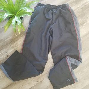Reebok athletic windbreaker pants size M